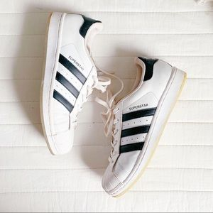 Adidas Superstar (size 7 / fits like an 8)